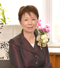 ノートルダム清心女子大学附属小学校校長 西 弘子